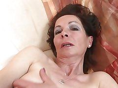 Slim full-grown mom thither very hungry old cunt