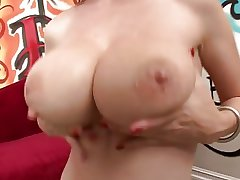 Beamy melons full-grown pussy