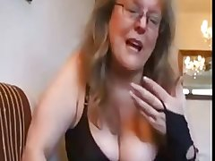 Adult unskilled takes care be beneficial to husband shaved cock