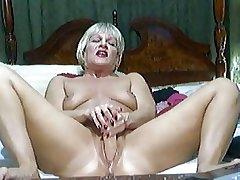 Hot Blonde Full-grown on cam 2