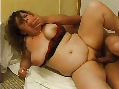 FRENCH MATURE n51 anal bbw mama with younger man