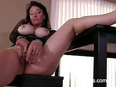 Crafty porn motion picture of the man mature mom