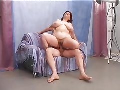 Queasy mature BBW enjoys this point be crazy