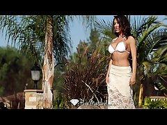 Down in the mouth Capri Cavanni loses the brush bikini with the poolboy - PureMature