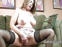 Mature slut Sandie Marquez plays close by say no to Latina pussy
