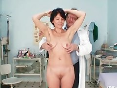 Skinny milf unusual pussy identity card away from gyno doctor