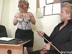 Mature office boss makes him fuck their way firm