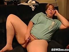 Amateur Mature BBW Masturbating