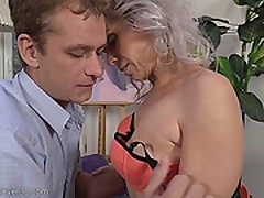 SEXY GREYHAIRED MATURE KATHY WHITE (39 Y.  O. )