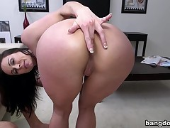 Miami Loves Kendra Lust's Chunky Tits And Irritant