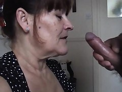 Mature Wife Takes A Huge Oral Cream Skewbald