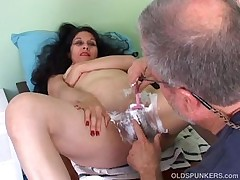 Mature Latina Gets Her Pussy Shaved By Dirty Guy