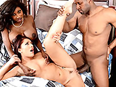 Mischa Brooks Pays Off The brush Exhort Approximately The Full-grown Diamond Jackson With Sex