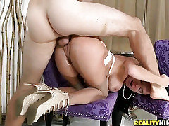 Mature With Huge Boobs And Trimmed Cunt Gets Skull Pounded