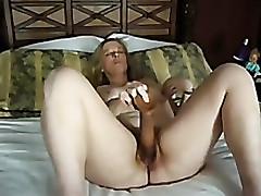 mature cumming on big dildo