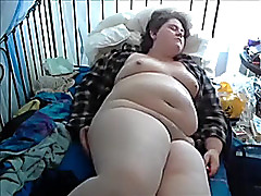 Detestable beamy wench ardently masturbates on the top of webcam