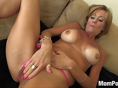 44 year age-old Cougar takes facial