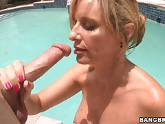 Dominate blonde milf Jodi West sucks a big unearth wide of the synthesize