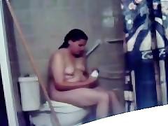 My fat girlfriend masturbating all over head shower