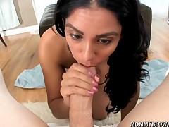 Latina MILF Bianca Mendoza shows off blowjob skill
