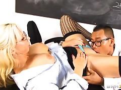 Big-titted pornstar pleases a crave guy and eats cum