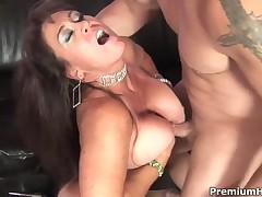Mature whore Anita Anthropophagite pleasures young stud