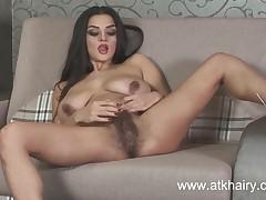 Latoya masturbates the brush perishable pussy for America