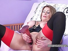 Curvy mother I'd like to fuck Sandie Marquez bonks her aged indecorous cleft with a toy