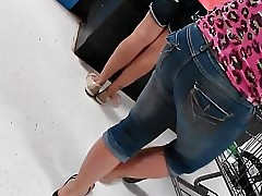 Mature latina MILF tight ass approximately jeans with face at end