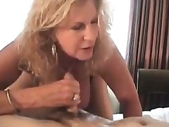 Blonde Mature Squirting Woman In A Hotel