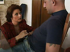 Mature Mommy Roberta Seduces Slay rub elbows with Guy And Sucks His Dong Deepthroat