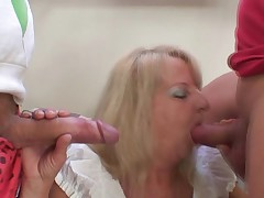 Smut 3some party not far from penetrated blonde grandma