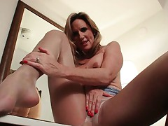 Pantyhose get mom's pussy hot and smarting