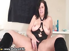 Old scalding mom wide a erotic part3