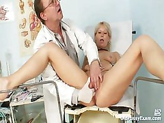 Mature Romana gynochair pussy speculum dissection unconnected with gyno doctor