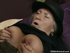 Horny old unfocused gets her cunt fucked part2