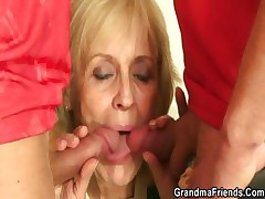 Beauteous granny pleases two friends