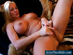 GILF in the air big firm breasts fingering