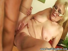 Grannies gets pussy pounded unconnected with younger guy