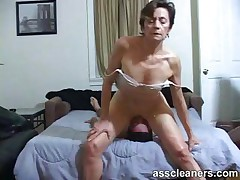 Young boy is hungry over an oldie mistress' reproachful ass hole