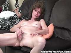 Skinny granny in stockings gives her flimsy old pussy a tasty