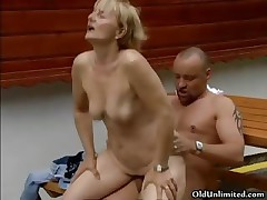 Nasty blonde mature woman gets her cunt
