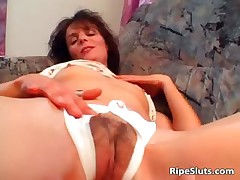 Horny mature brunette gets wet hairy