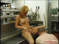 Blue babe gets wet cunt licked before she blows a pole indoors