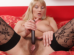 Bigtit cougar toys her soft pussy