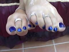 Feet cleaner