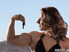 Muscle Giantess