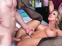 Mature Doctor Brandi Love With Huge Tits Gives It Concerning Her Patient!