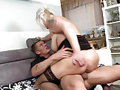 X-rated Mature Mom Gets Young Cock Come into possession of Hungering Vagina