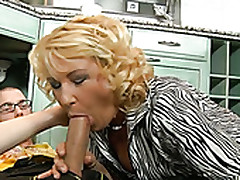 Chunky Blond Haired Crinkly Bitchie Mature Slut Gets Defoliated Twat Fucked